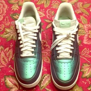 NIKE AIR FORCE 1 LV8 - MEN'S Size 12 Fresh Mint
